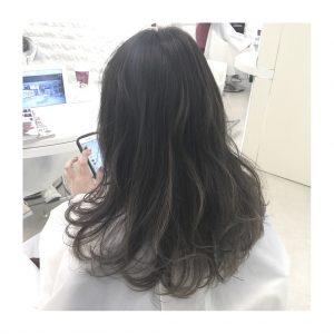 髪を切るときの少しの妥協が及ぼす影響と「切りたがり男」の叫びと「髪が伸ばせない女」